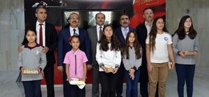 Çevre yarışmasında dereceye giren öğrenciler ödüllerini aldı