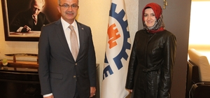 AK Parti Gebze Kadın KollarıBaşkan adayı Uzuner, Başkan Köşker'i ziyaret etti