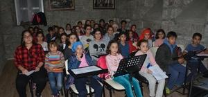 Trabzon'da mülteci çocuklardan koro oluşturuldu