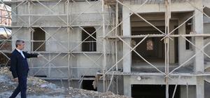 Başkan Tahmazoğlu, cami inşaatlarını inceledi