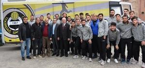 Başkan Albayrak'tan Tekirdağ sporlu futbolculara moral yemeği