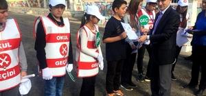 Söke'de okul geçit görevlisi öğrenciler iş başında