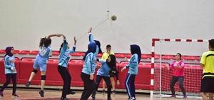 Okul sporları müsabakaları hentbol maçlarıyla başladı