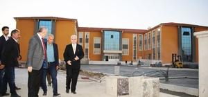 Karaman'da okul inşaatları gezildi