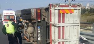 uşadası'nda kamyon takla attı: 3 yaralı