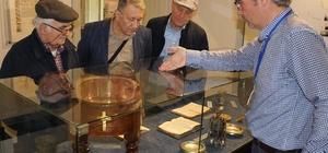Manisalı yazarlardan Kent Müzesi'ne tam not