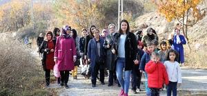 Tokat'ta öğrenciler anneleri ile birlikte sonbaharın tadını çıkardı