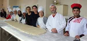Engelli aşçı adayları tarihi tatların yapımını öğrendi