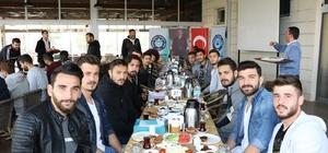 Manisa BBSK'lı futbolcular kahvaltıda bir araya geldi