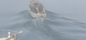 Beyşehir Gölü'nde balıkçılar sis altında avlanıyor