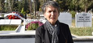 Samsun'da öldürülen doktor mezarı başında anıldı