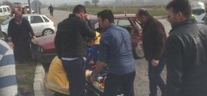 Sakarya'da iki otomobil çarpıştı: 3 yaralı