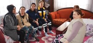 Başkan Görmez'in eşi ev ev dolaşıyor