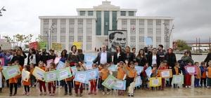 """Döşemealtı'nda """"Dünya Çocuk Hakları Günü"""" yürüyüşü düzenlendi"""