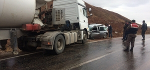 Beton mikseriyle otomobil çarpıştı: 1 ölü, 1 yaralı