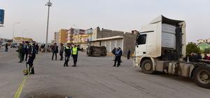 Şanlıurfa'da öğrenci servisi tırla çarpıştı: 14 yaralı