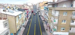 Kozan Caddesi ve pazar yerinde yol çizgi çalışması