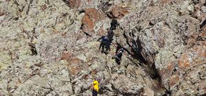 """Dağcılar """"Doğu'nun K2'si""""ne zirve yaptı"""
