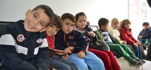 Kozan'da okul öncesi öğrencilere diş taraması