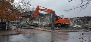 Düzce'de Pazar yerinde yıkım başladı