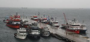 Sinop'ta balıkçılara şiddetli rüzgar engeli
