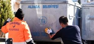 Aliağa Belediyesi çöp konteynerlerini yeniliyor