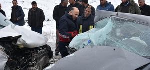 Kars'taki kazada araçta sıkışan çocuk kurtarıldı