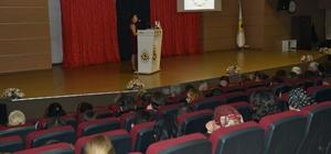Çiğli'de vatandaşlara obezite ve diyet anlatıldı