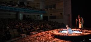 """Konya'da """"Bir Yunus Hikayesi"""" tiyatro oyununa yoğun ilgi"""