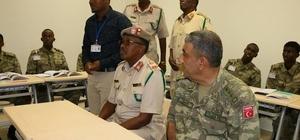 Somali Genelkurmay Başkanı'ndan Türk Birliği'ne ziyaret