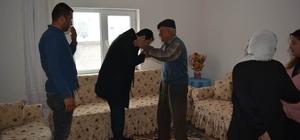 Acıgöl Kaymakamı Kundakçı, şehit ailelerini ziyaret etti