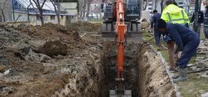 Alt yapı yenileme çalışmaları kanal boyunda devam ediyor