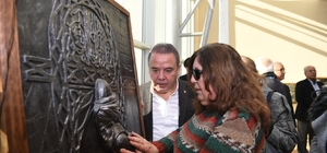 Konyaaltı'nda 'Gören Eller Rölyef Sergisi' açıldı