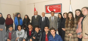Nevzat Karabag Anadolu Lisesi öğrencilerinden anlamlı bağış