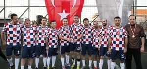 Konak'ta öğretmenler ter döktü, şampiyon takım belli oldu