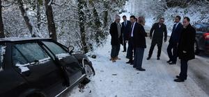 Kaymakam ve Başkan kaza yapan sürücüyü teselli etti