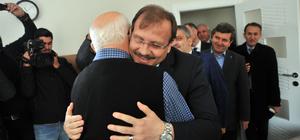 Başbakan Yardımcısı Çavuşoğlu'ndan öğretmenine ziyaret