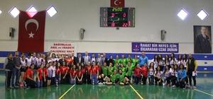 Okul Sporları Genç Bayanlar Hentbol İl Birinciliği müsabakaları sona erdi