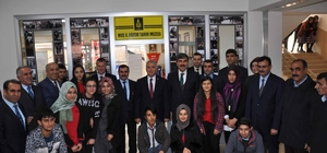 """Muş'ta """"İl Eğitim Tarihi Müzesi"""" açıldı"""