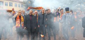 Kayserispor'da başkan ve futbolcular öğrencilerle buluştu