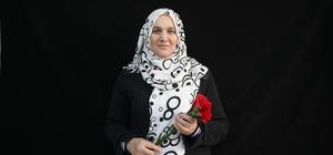 Suriyeli öğretmenlere karanfilli kutlama