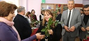 Başkan Tarhan'dan öğretmenlere gül