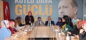 Başkan Baran, AK Parti Körfez Kadın Kolları'nın toplantısına katıldı