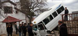 Sivas'ta trafik kazası güvenlik kamerasına yansıdı