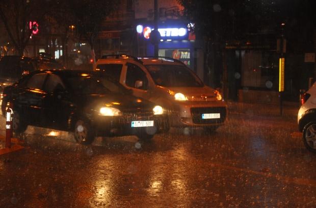 Aniden bastıran yağış zor anlar yaşattı