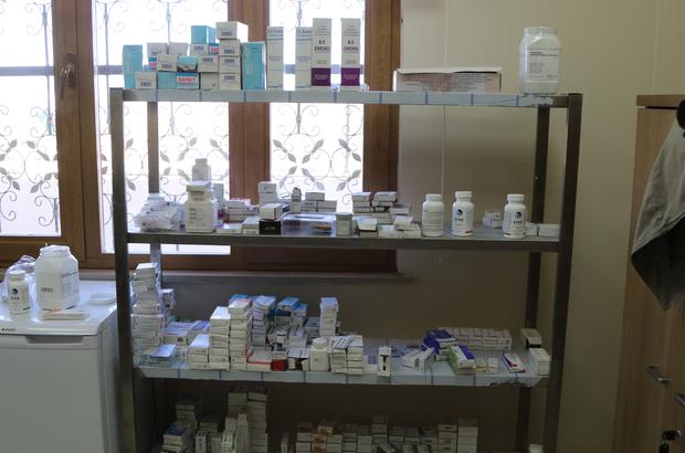 Suriyelilere ilaç yardımı