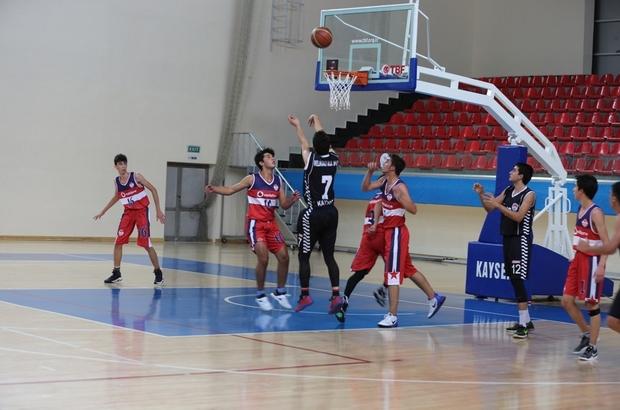 U-18 Basketbol Liginde Melikgazi fırtınası esiyor