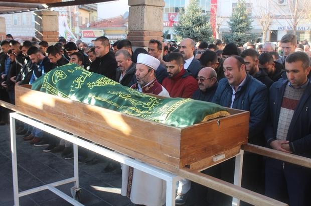 Kuruyemiş kavgasında öldürülen genç pazarcı toprağa verildi