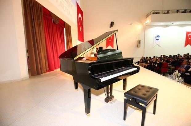 Adıyaman Belediyesinden Güzel Sanatlar Lisesine piyano desteği