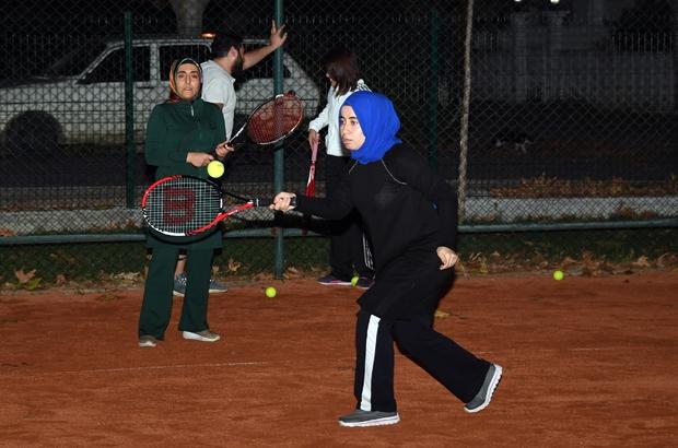 Anamurlular tenisi sevdi
